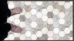 Tapis de sol adhésif en pvc souple, 60*100 cm avec film anti-dérapant. Ce tapis à motifs géométriques imitation carreaux de ciment existe aussi en 70*180 cm au prix de 99€. Idéal pour mettre dans une entrée ou face à son plan de cuisine.  4 graphismes disponibles (carreaux de ciment ou motifs pois noir, motifs géométriques).
