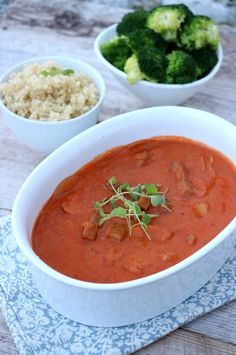 Meat Chickens, Thai Red Curry, Gluten, Ethnic Recipes, Food, Pai, Meals, Yemek, Eten