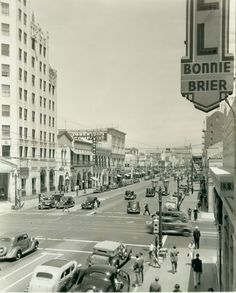 1936  Hollywood Blvd. & Highland Ave.  Cafe Montmartre at mid- left of photo
