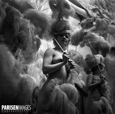 Revue des Folies-Bergère. Paris (IXème arr.), 1937. #Revue #Paris #Femme