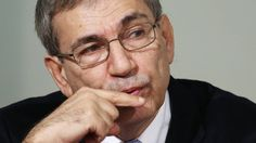 """Renowned Turkish writer and Nobel laureate Orhan Pamuk has been awarded the Yasnaya Polyana literary prize for the Russian translation of his novel """"A Strangeness in My Mind."""" On Feb. 24 Pamuk came to Moscow to receive the prize and give a talk for his Russian readers."""