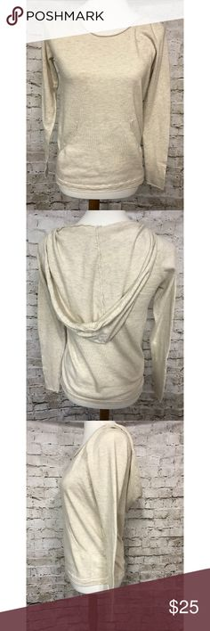 Banana Republic Hooded Women's Sweater Ivory Sz XS Banana Republic Hooded Women's Sweater Ivory Scoopneck Casual Front Pocket Sz XS  Color: Heather ivory or beige Material: Cotton, Viscose, and Nylon Measurements: Shoulder 15'' Underarm 16'' Sleeve Length 23'' Length of back 24'' Banana Republic Sweaters Crew & Scoop Necks
