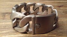 Armband XL Gematteerd 23 cm x 3 cm €55,00