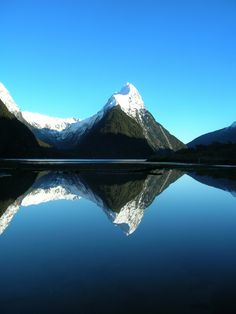 Milford Track, New Zealand - this is a famous view we'll see on the milford sound cruise Milford Track, Milford Sound, Places To Travel, Places To See, Places Around The World, Around The Worlds, Beautiful World, Beautiful Places, Beautiful Boys