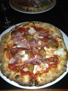 Thanks @johnbilano RT: By far the best pizza in San Antonio @DoughPizzeria!!! pic.twitter.com/udTjEjpdhv