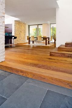 Homeplaza - High quality parquet flooring convinces with comprehensive sustainability . Wood Parquet, Parquet Flooring, Wooden Flooring, Hallway Flooring, Vinyl Plank Flooring, Home Office Design, House Design, Interior Architecture, Interior Design