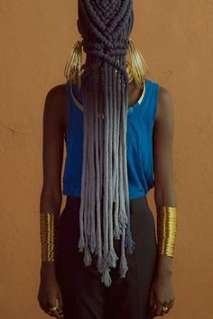 Her younger braids were always adorned with colour, in recent years, following a retreat into her mid-thirties, Makeda has returned to her natural colours.