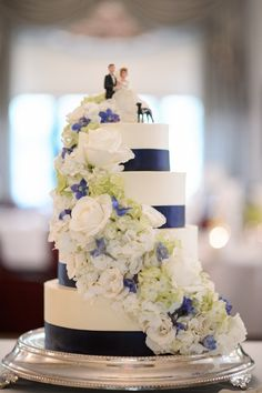 Navy Blue Wedding Cake Darker blue flowers would be better