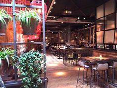 Cafe Panache in Amsterdam West is de nieuwste restaurant hotspot van de stad. Wij hebben de menukaart uitgebreid voor je getest! Lees snel verder >>