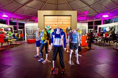 Auch von Innen ein absoluter Hingucker - so können auch eure mobilen Ausstellungsflächen ausssehen. Hier designt für den #NikeRunningClub.