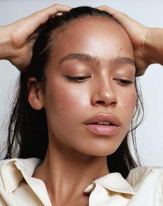Beautiful glowing skin natural makeup look perfect for spring and summer Natural Makeup Looks, Natural Looks, Natural Brown, Super Natural, Makeup Inspo, Makeup Inspiration, Makeup Ideas, Makeup Tips, Glow Skin