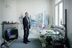 Luc Tuymans in his studio. (bron: ArtObserved)