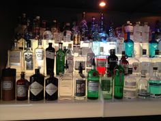 Gin Tonic - Assortiment van 39 premium Gin's & 7 tonic Waters  Café Akotee, De Haan