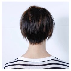 SHORT Cut/Style: Anh Co Tran • IG: @Anh Co Tran • Appointment inquiries please call Ramirez|Tran Salon in Beverly Hills at 310.724.8167. #dreamhair #fantastichair #amazinghair #anhcotran #ramireztransalon #livedinhair #coolhaircuts #coolesthair #trendinghair #model #haircuts2017 #besthair #ramireztran #womenshaircut #hairmoment #hairtransformation #insalononly #lorealprous #glamteam #fun #tecniart #LorealProAmbasssador #sponsoredbylorealpro