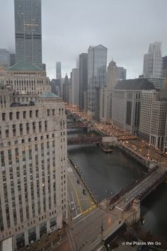 Hotel connected via skybridge to Chicago's Merchandise Mart - Holiday Inn Chicago-Mart Plaza - Chicago, IL - Kid friendly hotel reviews – Trekaroo