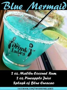 Mixed Drinks Alcohol, Party Drinks Alcohol, Alcohol Drink Recipes, Liquor Drinks, Cocktail Drinks, Beverages, Hawaiian Party Drinks, Cocktail Recipes, Blue Drinks