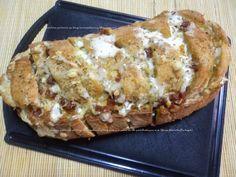 Pão Italiano com ervas e queijo mozarella  http://receitasdaromy.blogspot.pt/2014/08/pao-italiano-com-ervas-e-queijo.html