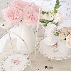 @lesleegtg #romantic #ros #rosa #roses #rosor #inredning #countrychic #inspiration #shabby #shabbychic #pastel #boligdrøm #decoration #dekorasyon #evdekoru #evim #vakrehjem #vackrating #vackrahem #beautiful