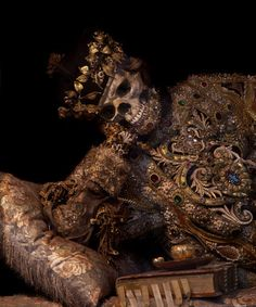 The Bejeweled Skeleton of a Martyred Saint[500x600][NSFW:Human Remains] - Imgur