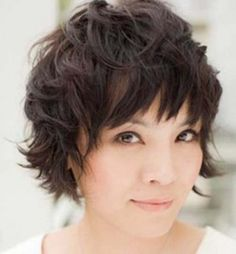Best-Short-Messy-Haircut-Hairstyle-Women