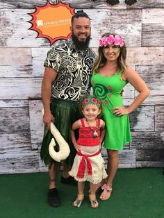 New birthday makeup party halloween costumes ideas Te Fiti Costume, Baby Moana Costume, Moana Halloween Costume, Costume Ideas, Moana Costumes, Disney Family Costumes, Family Halloween Costumes, First Halloween, Halloween Party
