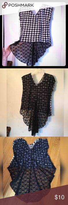 Selling this PLUS houndstooth high-low top on Poshmark! My username is: nuclearhearts. #shopmycloset #poshmark #fashion #shopping #style #forsale #Dots #Tops