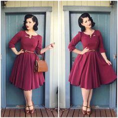 Miss victory violet vintage poses frock fashion, vintage outfits и vintage. Frock Fashion, 1960s Fashion, Girl Fashion, Vintage Fashion, 40s Outfits, Pin Up Outfits, Fashion Outfits, Dress Dior, Dress Up