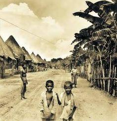 Nipa houses in Paranaque, circa 1920 via Filipiknow