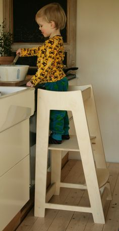 Lernturm aus Holz für Kinder, Kletterhilfe für Bad und Küche / wooden montessori…