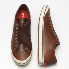 Tretorn Skymra Leather (Mahogany). Envious of these after I saw them on my friend's feet, only he had them in black.