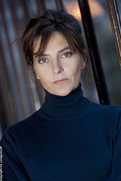 Carole Bianic Carole Bianic, Movie Tv, Feminine, Stars, Inspiration, Beautiful, Bouquet, Cinema, Portraits