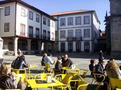Guimaraes. Centro histórico. Largo da Oliveira