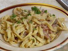 Pancetta Bacon Pasta Recipe from Food Network. I used regular bacon instead of Pancetta and added peas. It turned out great! Bacon Pasta Recipes, Dove Recipes, Food Network Recipes, Cooking Recipes, How To Cook Pasta, Pasta Dishes, Pasta Food, Italian Recipes, Food And Drink