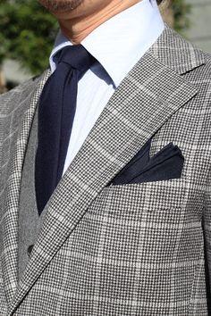 #shirtstyle #shirts #shirtshop #fashionblogger #Menswear #Gentleman  #mensfashion #menstyle  #menswear #Suit  #suitstyle #threepiecesuit  #wooltie #tie #necktie #PocketSquare #doublecuff #ワイシャツ #コーディネート #ネクタイ #メンズファッション #メンズ