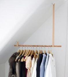 Dressing ouvert : une penderie pour un plafond rampant