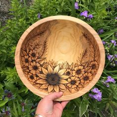 sunflower bowl, anniversary bowl, gifts for her, gifts for mom, Sunfl … – Etsy… – Wood Burning Pattern Wood Burning Stencils, Wood Burning Tool, Wood Burning Crafts, Wood Burning Patterns, Wood Crafts, Wood Turning Projects, Wood Projects, Creative Wedding Gifts, Diy Holz