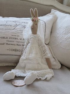 I want to share all sorts of wonderful things with you. Lots and lots of beautiful things. Maileg Bunny, Baby Girl Toys, Blue Bunny, Rabbit Toys, Funny Bunnies, Little Doll, Waldorf Dolls, Soft Sculpture, Fabric Dolls