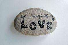 Inspirational diy of painted rocks ideas (1)