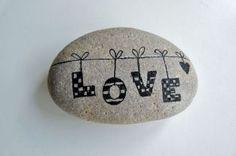 Inspirational diy of painted rocks ideas (1)