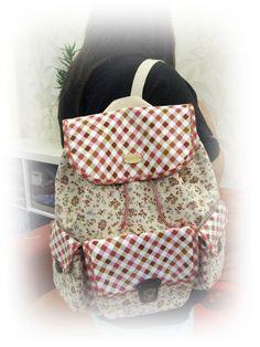 A gift for my fren! Hope she like it Diaper Bag, Gifts, Handmade, Bags, Fashion, Handbags, Moda, Favors, Fashion Styles