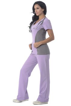 Body Intelligence has designed a collection of medical scrubs for women using materials that enable movement and comfort within the busy medical workplace. Cute Scrubs Uniform, Scrubs Outfit, Stylish Scrubs, Medical Uniforms, Medical Scrubs, Basic Tops, Fashion Pants, Work Wear, Clothes For Women