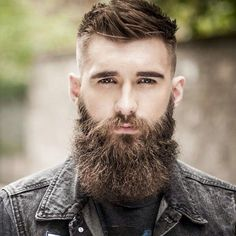 An awesome collection of the best beard styles for short beards, medium beards, long beards and everything in between. Showcasing the best beards of the best beard styles. Get ideas to grow your beard for longer or shorter styles. Beard Fade, Full Beard, Men Beard, Great Beards, Awesome Beards, Beard Styles For Men, Hair And Beard Styles, Bart Design, Bart Styles