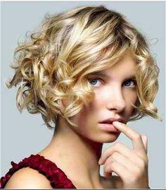 cheveux courts bouclés femme - Recherche Google