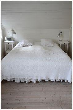 mormor Märtas bedroom