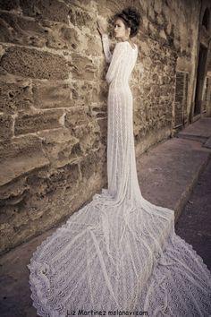stunning train - fairytale bride