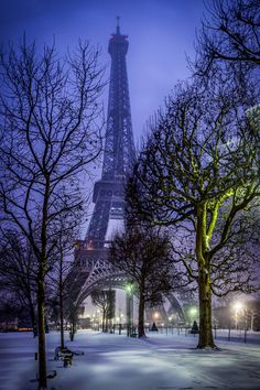 Snowy Night, Paris, France