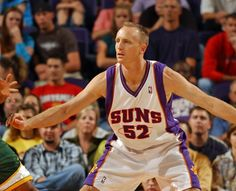 Eric Piatkowski, in his 14th and final NBA season, with the Pheonix Suns. He could be the Clippers new owner soon, Sirius Radio comments w/ Oronde Gadsden & Co. Group. I always wanted to see he or Craig Ehlo as Coach of L.A. Clippers.