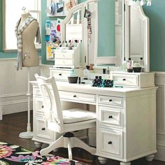 Bedroom vanity with dressing table white vanity table with mirror. White Makeup Vanity, Bedroom Makeup Vanity, Makeup Table Vanity, White Vanity, Vanity Set, Makeup Vanities, Bedroom Vanities, Vanity Ideas, Mirrored Bedroom