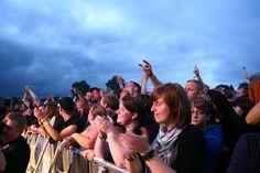 """Hütte Rockt Festival 2012 - Das Hütte Rockt Festival hat vier weitere Bandzugänge zu verzeichnen! Nach dreijähriger Abstinenz lassen sich die finnischen """"Leningrad Cowboys"""" wieder im Osnabrücker Raum blicken. Die dreizehnköpfige Band, mit ihren außergewöhnlichen """"Einhorn-""""Frisuren, hat gerade im letzten Jahr ein neues Album auf den Markt gebracht und wird bestimmt einige der neuen Songs auf dem Hütte Rockt Festival zum Besten geben."""