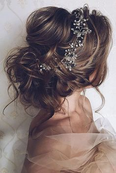 10 messy hair updo with a crystal headband - Weddingomania